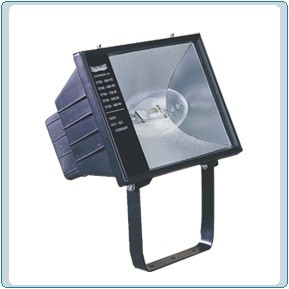 DF 7825   Without Barn Doors Die Cast Aluminum HID Light