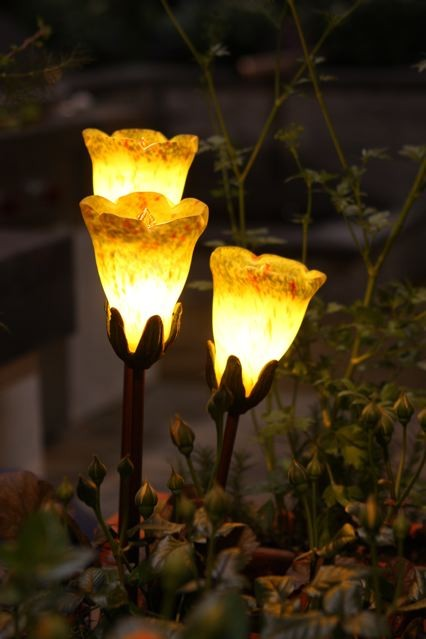Hand Blown Tulip Cluster Garden Light